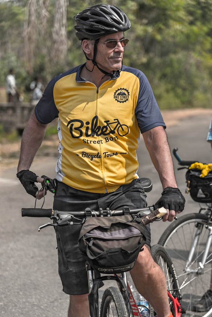 Alaska Firefighter Finds His Groove Cycling From Pondicherry to Kochi