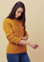 Womens 100% merino wool crew neck cable jumper