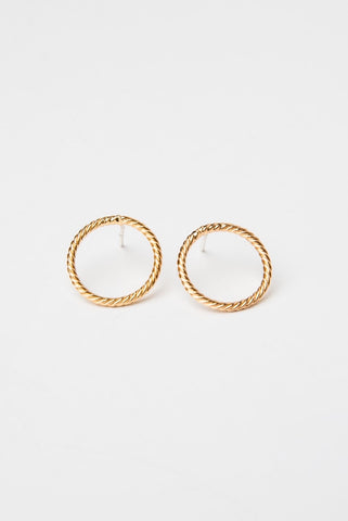 ENDLESS LOVE STUDS MEDIUM