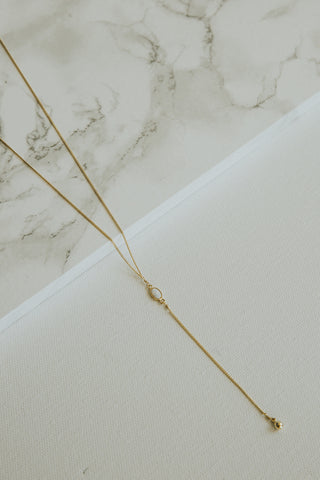 Spica Lariat Necklace White