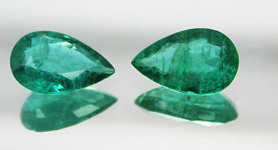 4.47 Crt / 2 Pcs Ct Fine Natural Esmeralda Pera Par 12x7.7 mm sin tratar - RareGem.IN