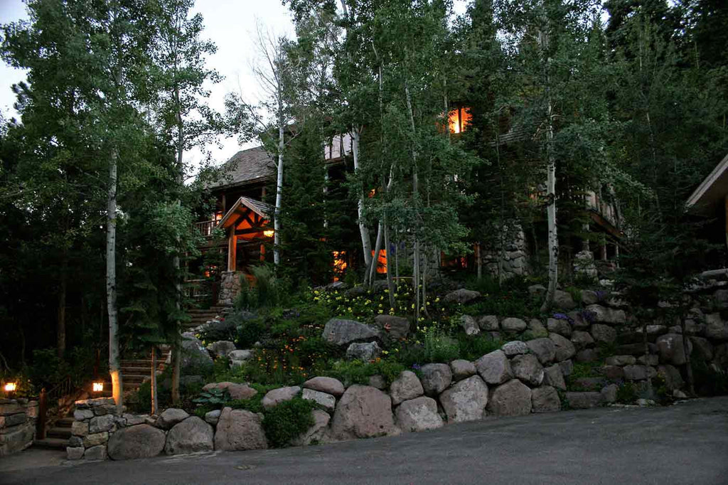 An outside view of the Eagle Nest Blue Light Resort in Sundance