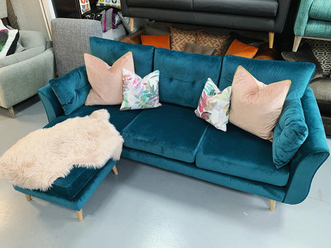 A - Brella Left Or Right Facing Chaise Sofa In Teal Velvet Fabric RRP £1599
