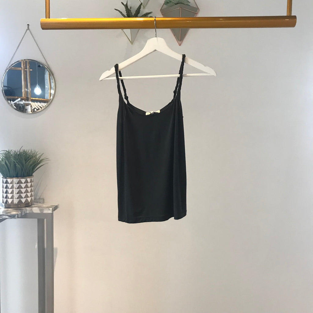 UNIKONCEPT Lifestyle boutique: image shows the Camila Cami in black by Heartloom. This classic fitting cami features twisted spaghetti straps to add a little extra detail.