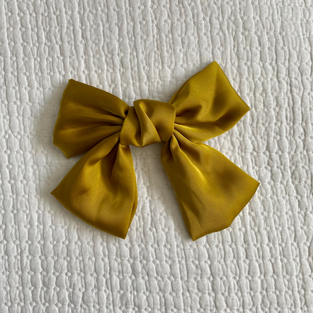 Daphne Bow - Buttercup