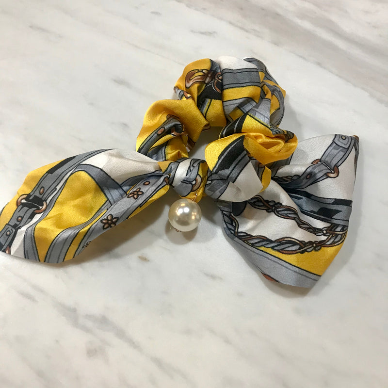 Hair Scrunchie w pearl  - Patterned yellow