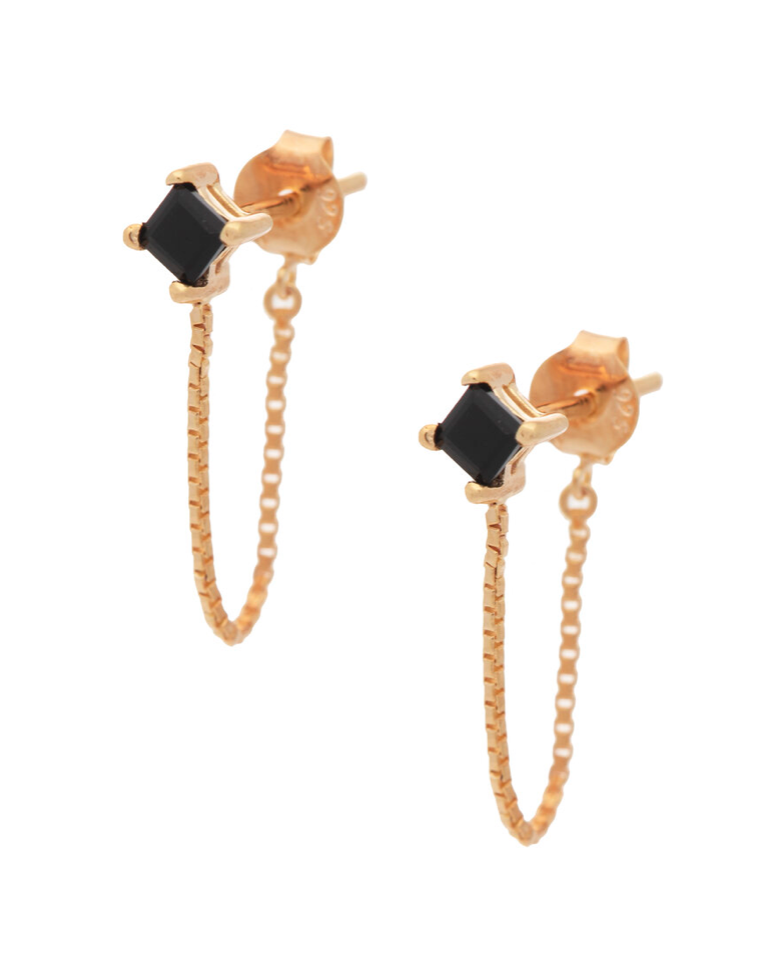 UNIKONCEPT Lifestyle boutique: Image shows the Alex Studs in gold onyx by Sarah Mulder. These black onyx studs feature a gold chain that forms a hoop look for a classic, beautiful earring.