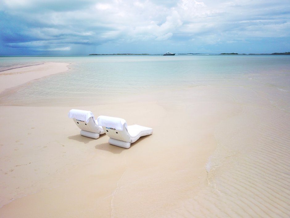 Superyacht Wave Loungers for the Beach Day Win!
