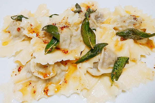 CHICKEN & MUSHROOM RAVIOLI - Kate Irving