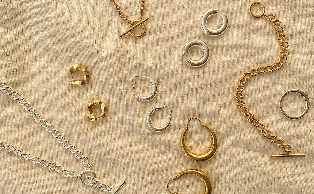 Gold or silver? How to choose the right metal jewellery for you.