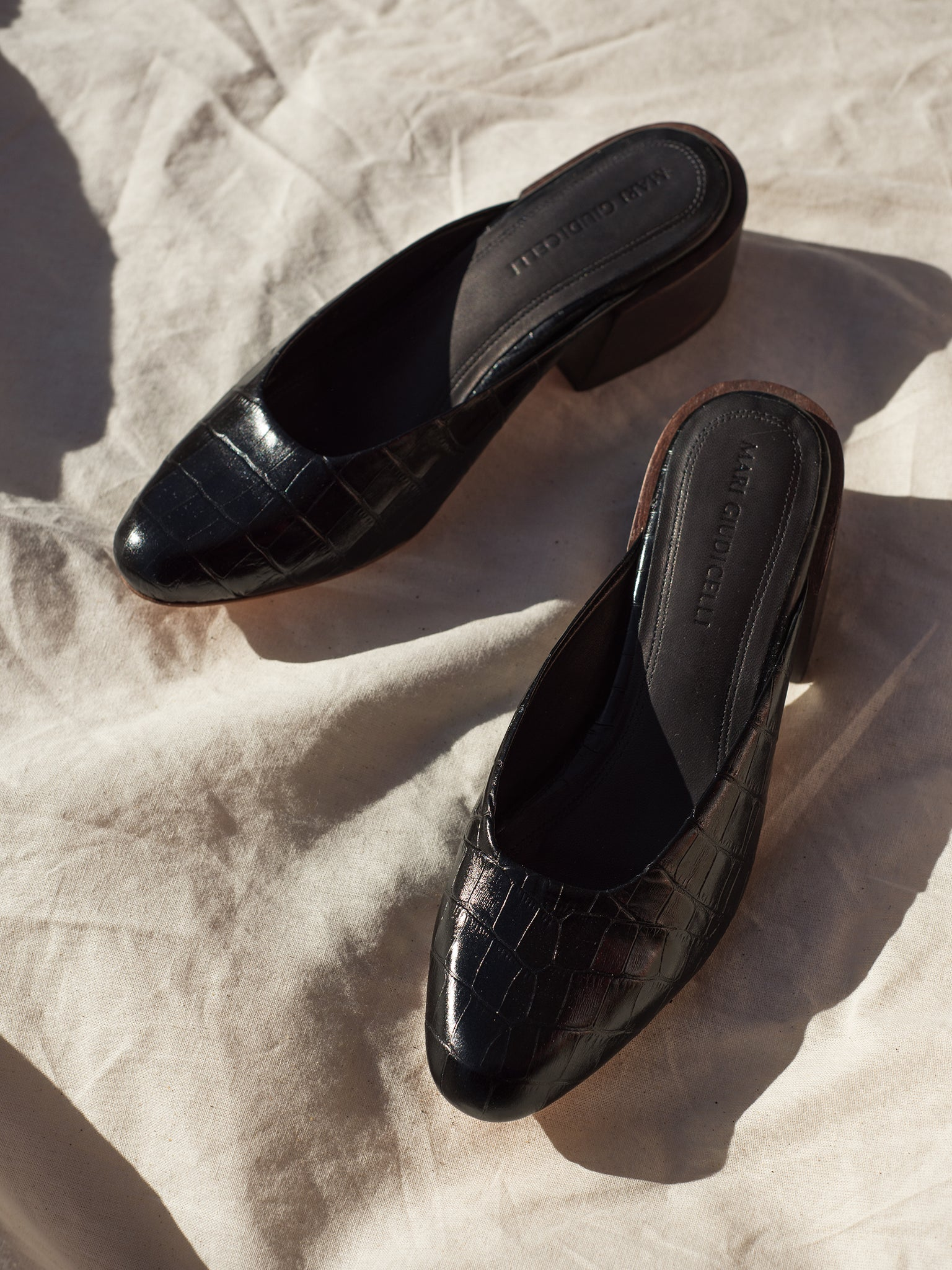 MARI GIUDICELLI | Leather shoes at The UNDONE