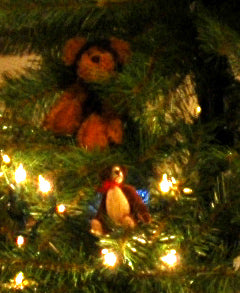 Fireflys Teddy Bear Tree detail