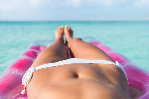 Belly fat, beach, healeaf tea blog
