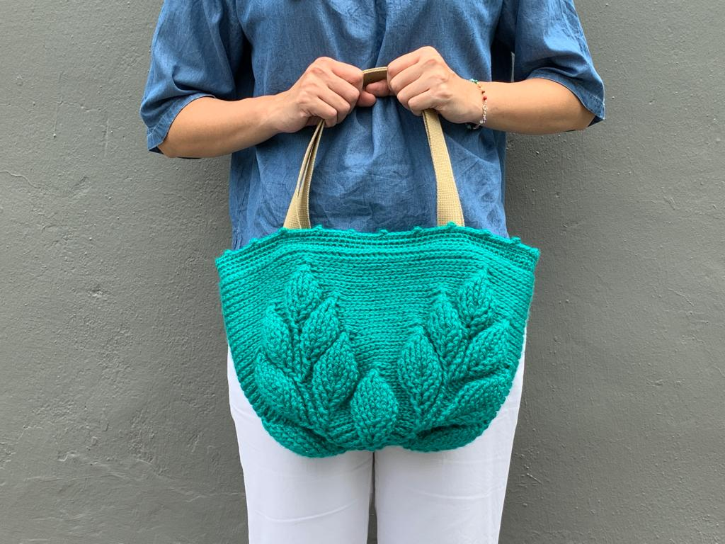 Guided Craft Project - Crochet a 3-D Leaves Shoulder Bag
