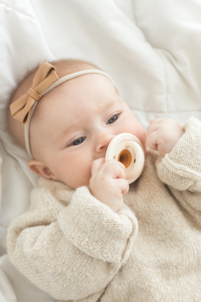 MODERN PACIFIER - SPECKLE ALMOND