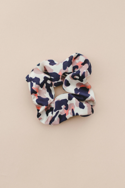 SATIN CAMO SCRUNCHIE