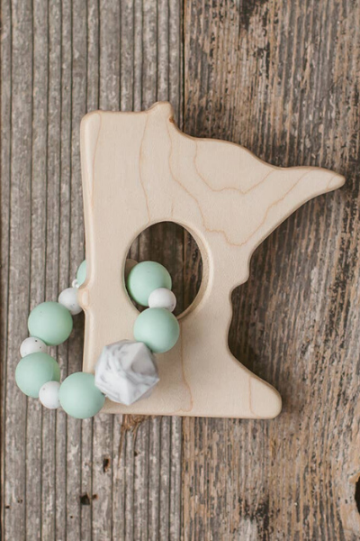 MN WOOD TEETHER - MINT GREEN