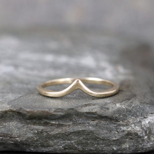 Chevron 'V' Ring - 14K Yellow Gold - Stacking Ring - Wedding Band