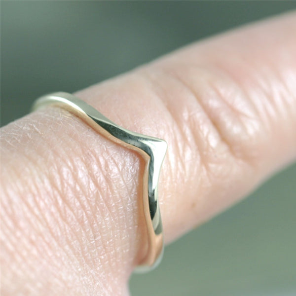 Chevron 'V' Ring - 14K White Gold - Stacking Ring - Wedding Band