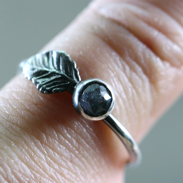 Labradorite Ring - Sterling Silver Leaf Design Ring - Bezel Set Stacking Ring