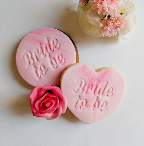 Bride To Be Italic Cookies