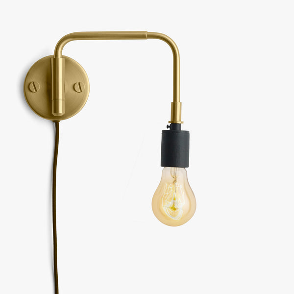 Staple Wall Lamp | Brass