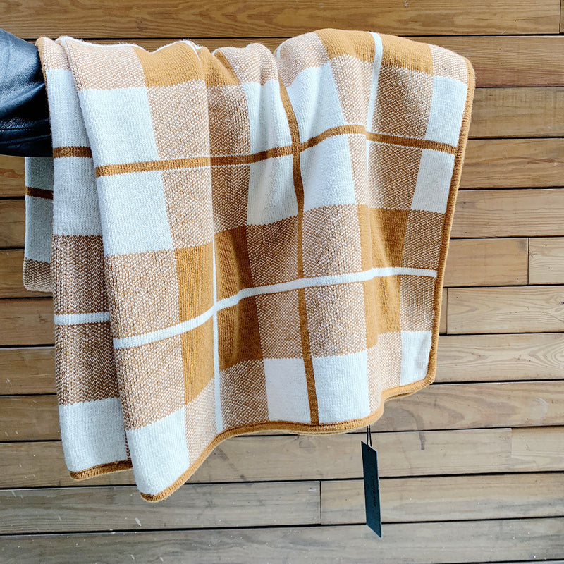 Sunday Throw Square : Brown/White
