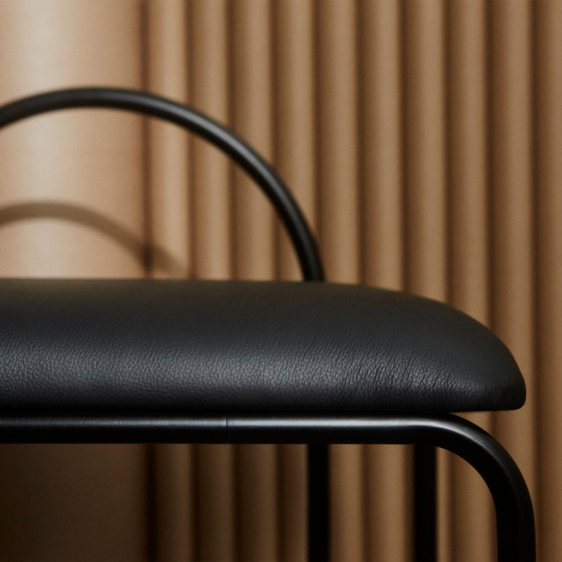 ANGUI Bench | Black Leather
