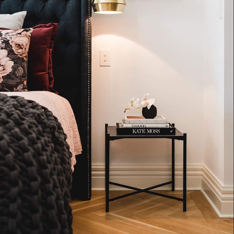 Handvärk Side Table | Black/Black Marble