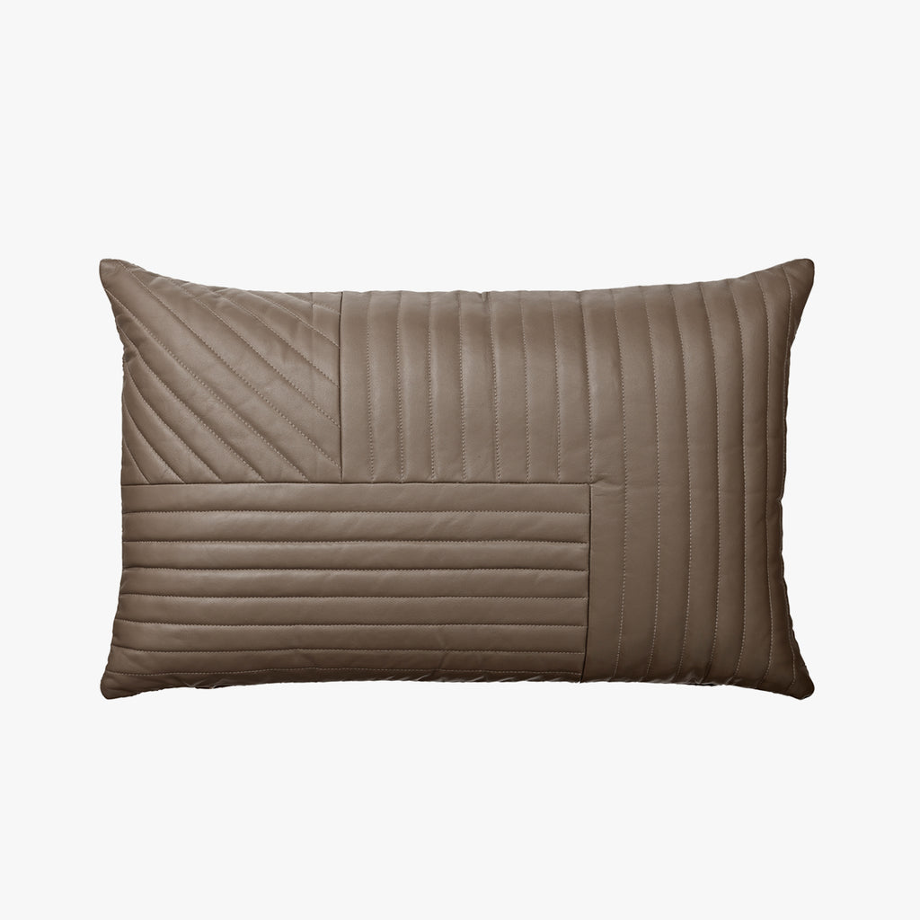 MOTUM Cushion - Walnut