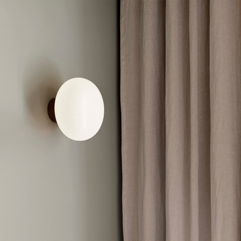 Karl-Johan Wall Lamp | Smoked Oak