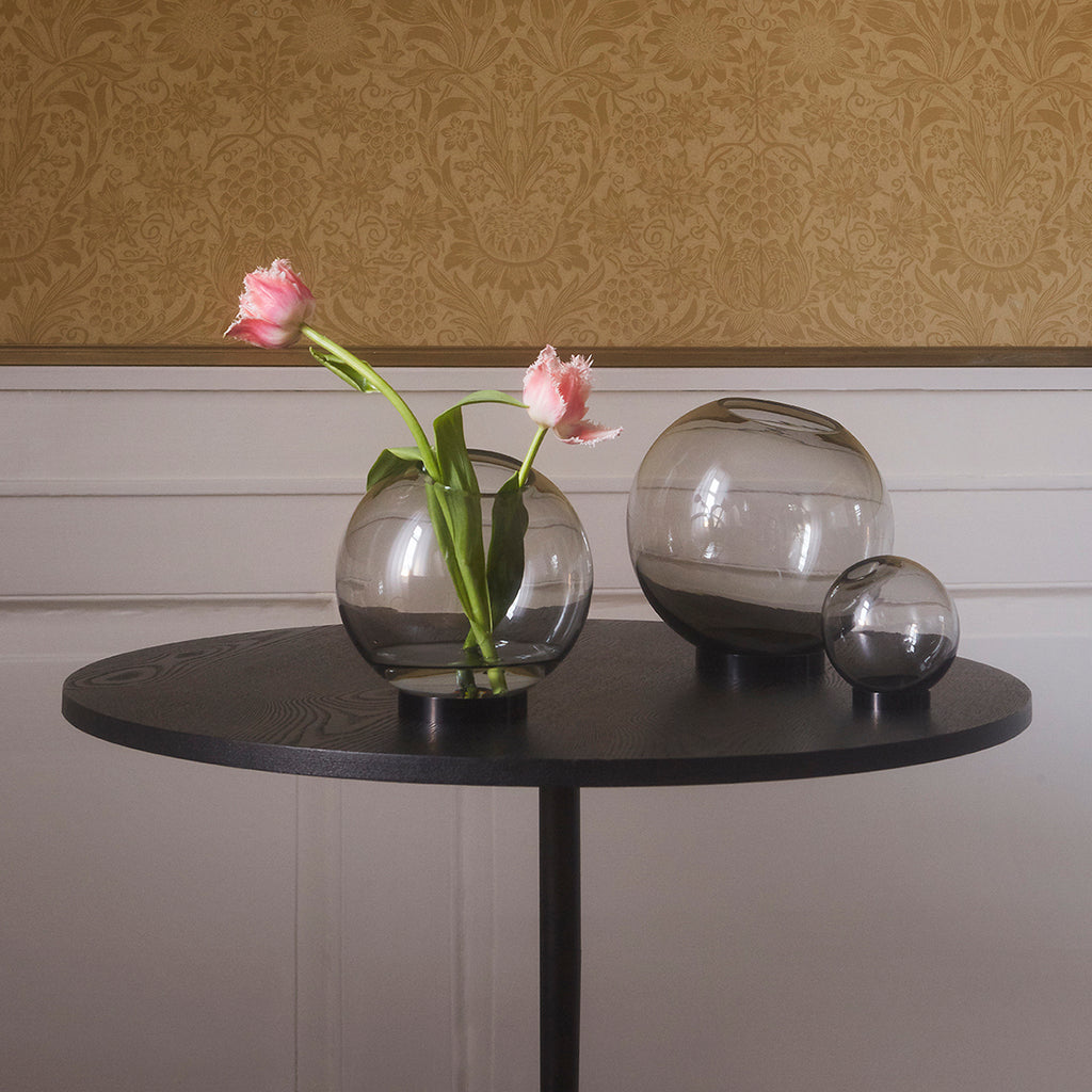 SOLUS Bar Table