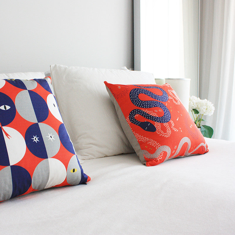 WIZZZ Printed Cushion