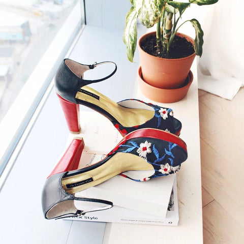 Spring Limited - Black and Red platform Sandals with embroideries