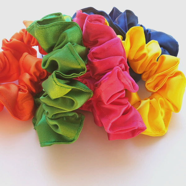 SATIN SCRUNCHIES 5s - Lavish Atelier