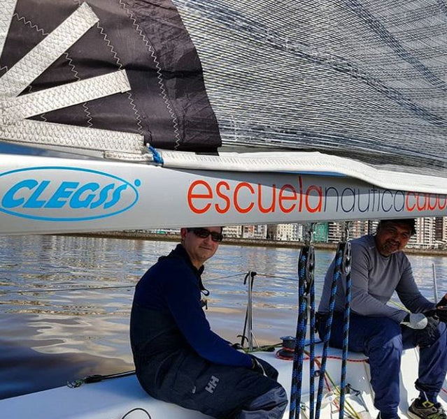 Clegss marine sube a bordo del equipo de Regatas Cabo mayor Teknia Group