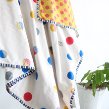 Single Bed Quilt with Polka Dots - CHHAPA