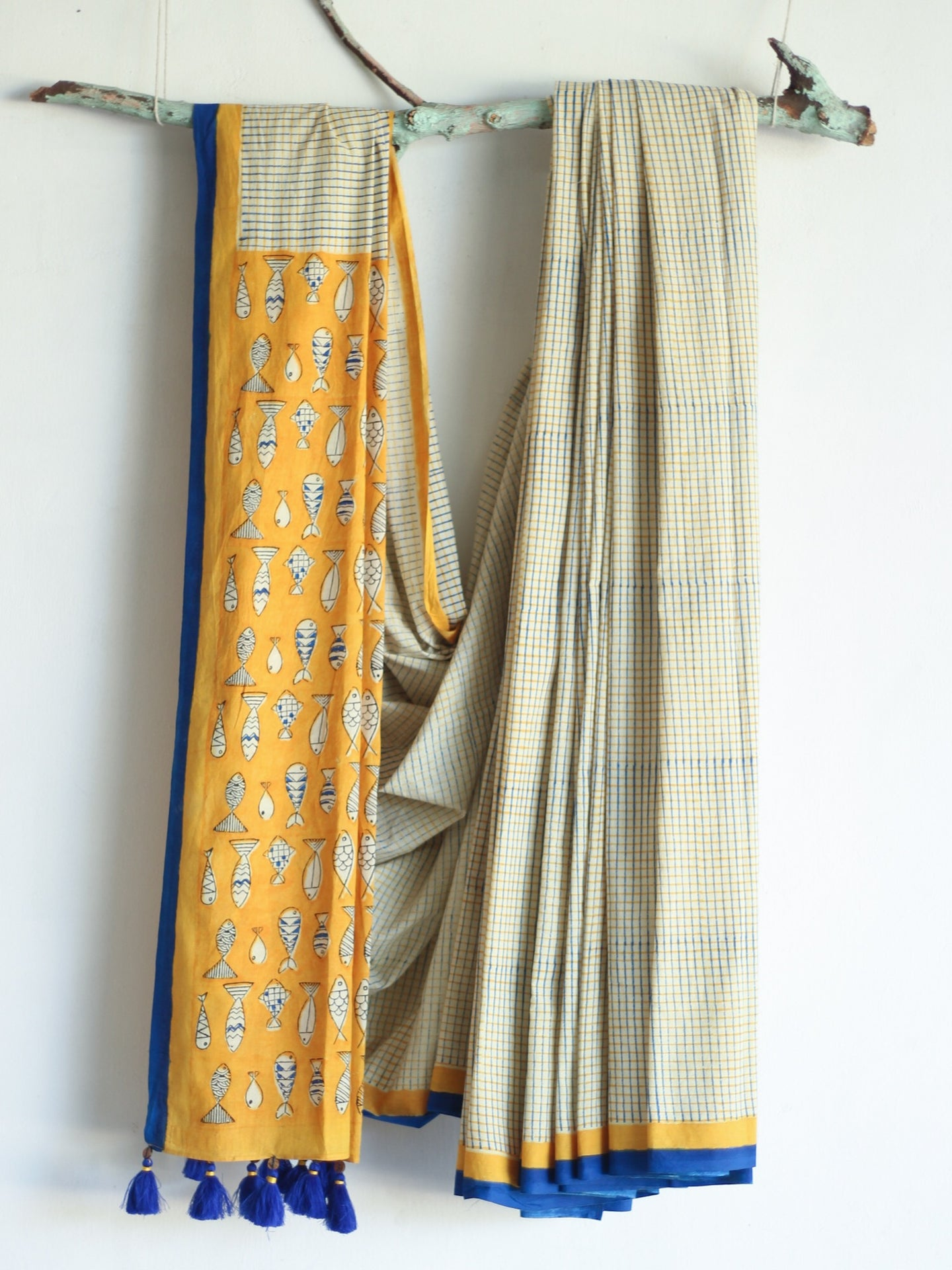 SAREE - Chex with Fish print