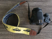 CAMERA BELT WITH CARS