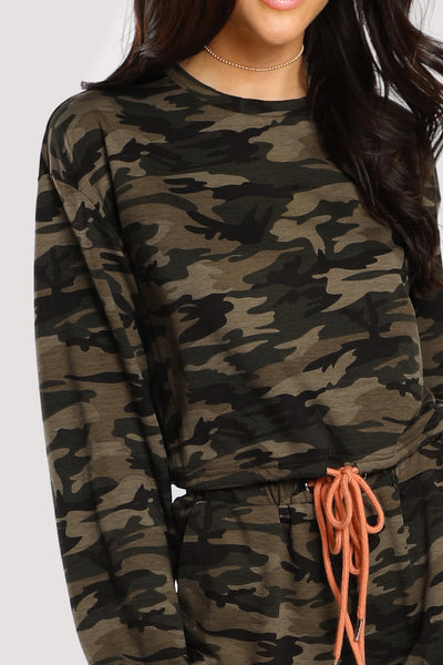 DRAWSTRING DETAIL CAMO PULLOVER & SWEATPANTS SET