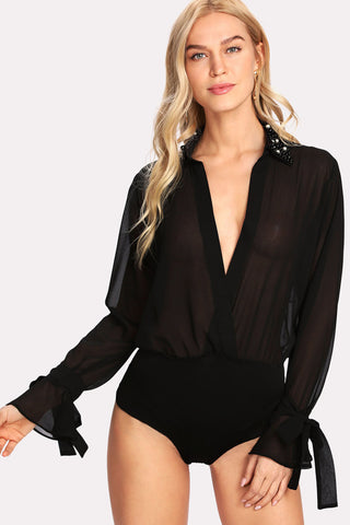 CRISSCROSS NECK SLIM STRIPE BODYSUIT