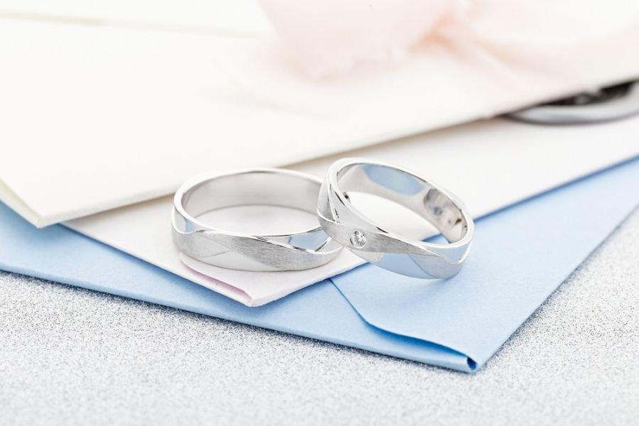 platinum and silver engagement rings