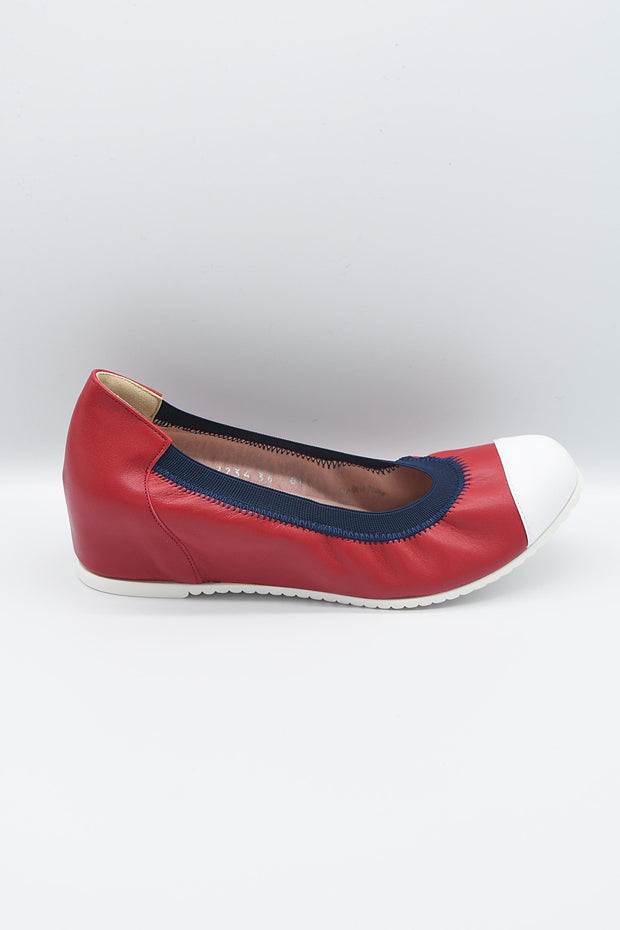 Le Babe Red Slip On Shoe With White Toe & Navy Detailing - 2234S0