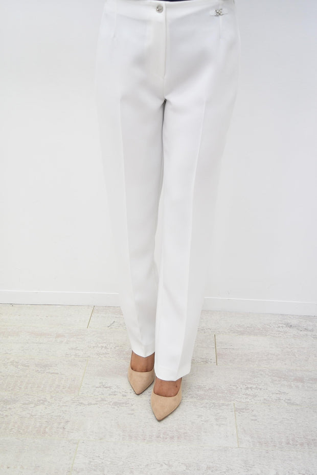 Via Veneto Cream Straight Sarah Kiron Slim Trouser - V3604