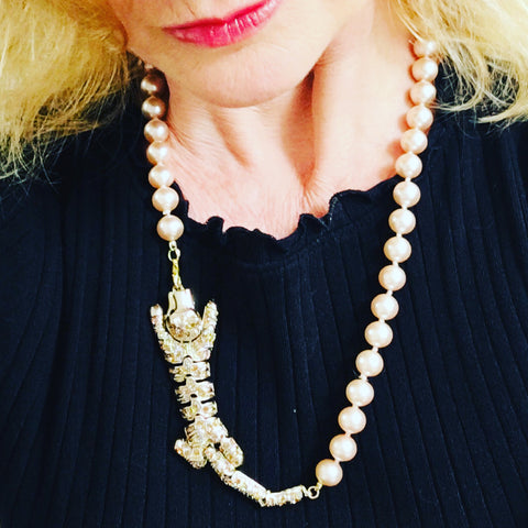 Leopard with Pearls