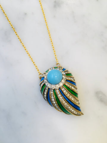 Pristine vintage Alfred Philippe Jewels of India in turquoise, set as a pendant on 22ct gold chain.