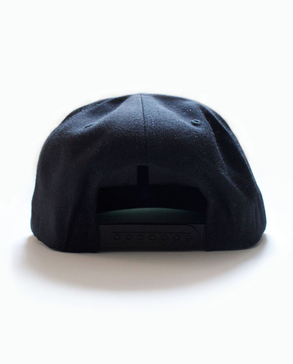 Connetic-Snapback-Black-Back