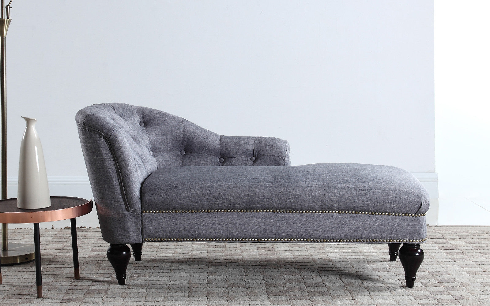 Small Linen Chaise Image