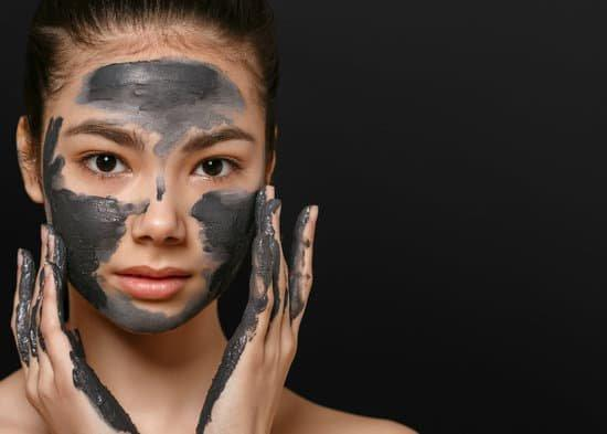 Mud Mask Secrets That Hydrate Your Skin FAST