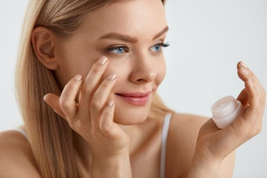 3 Real-World Tips That Remove Dark Spots And Work Like Crazy
